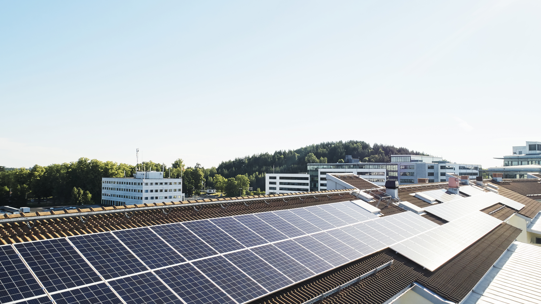 Vattenfall-bakgrund-1-solceller (1)